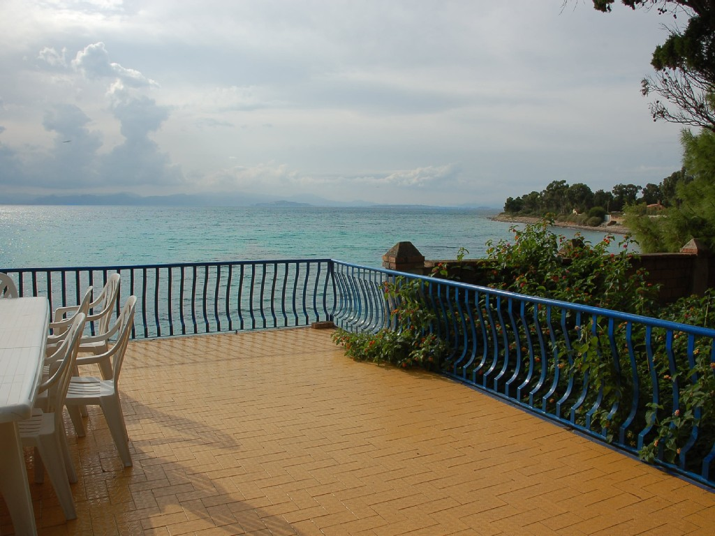 Appartamento a Quartu Sant Elena torrevhe sulla spiaggia