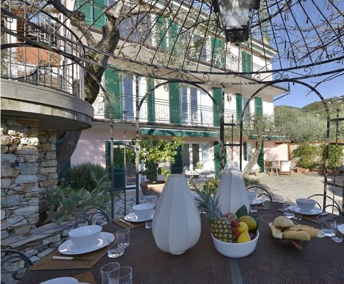 Villa in Liguria near the sea Photo